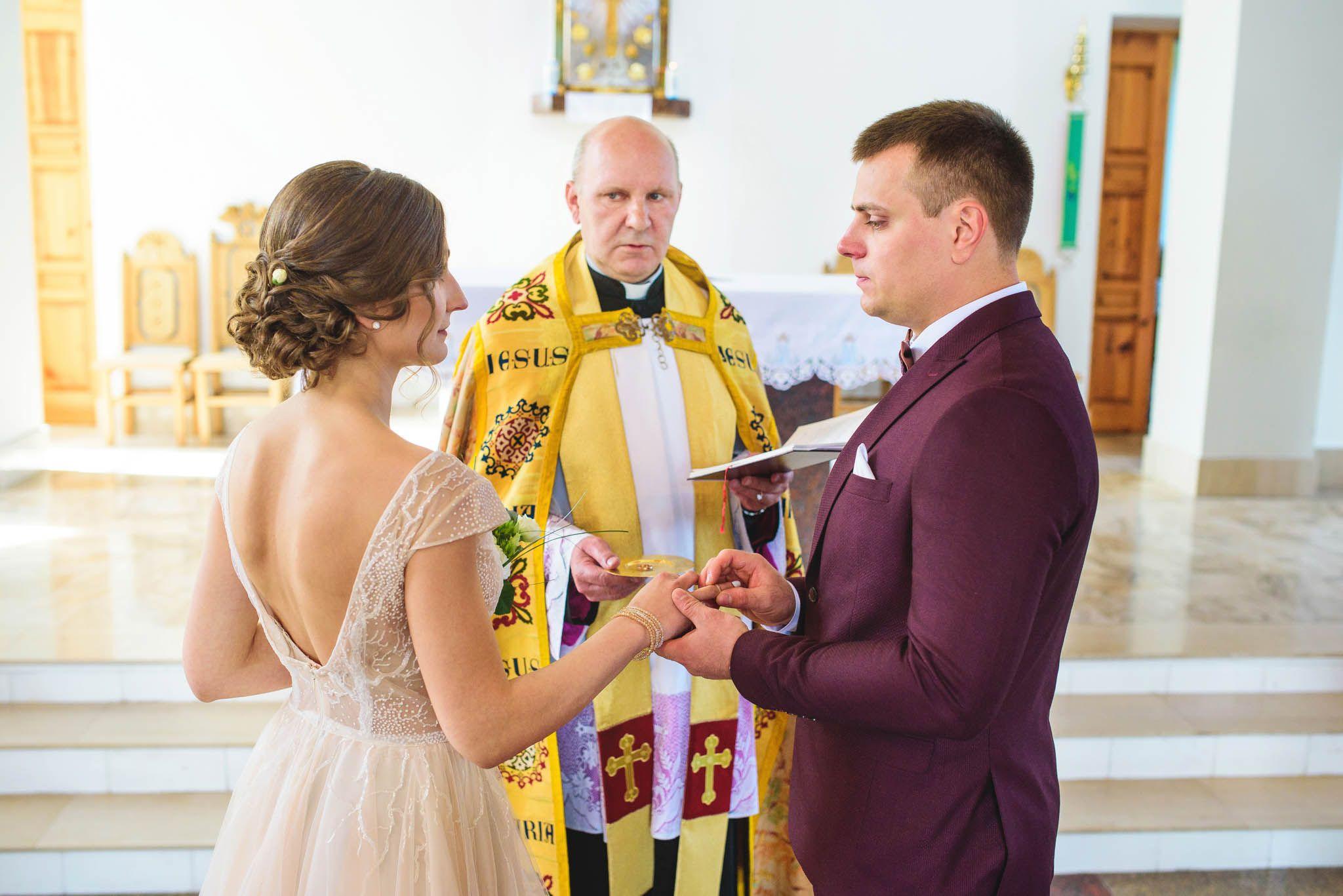 Vestuves Dusios bažnyčioje